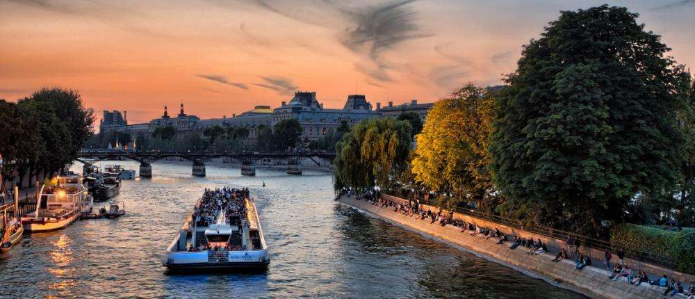 See Paris in a different way with cruises on the Seine