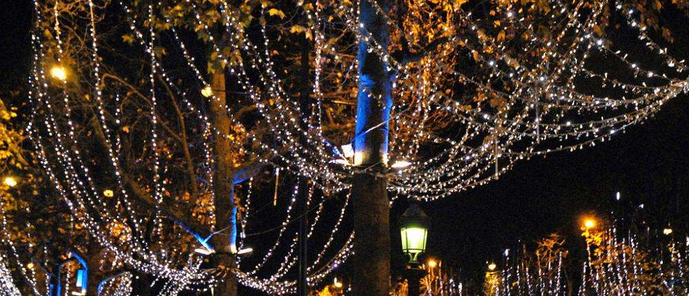 The enchanted ambiance of Christmas in Paris